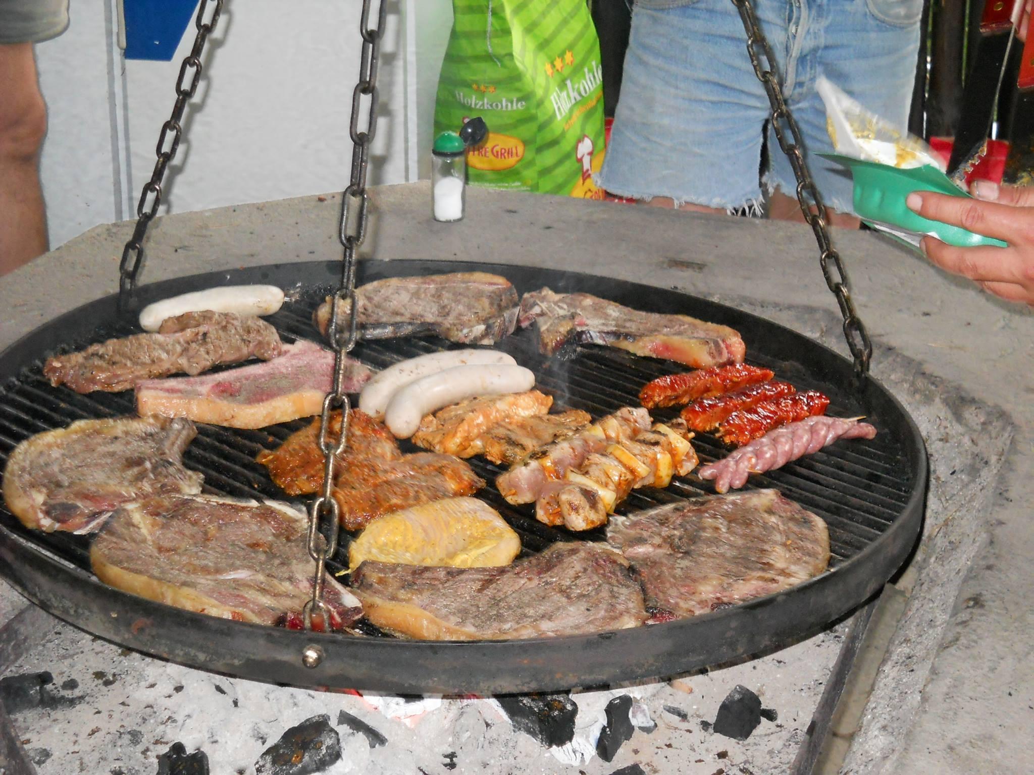 Dachzelt-Tour-Frankreich-Grill