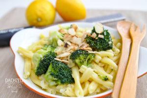 Zitronen-Brokkoli-Nudeln