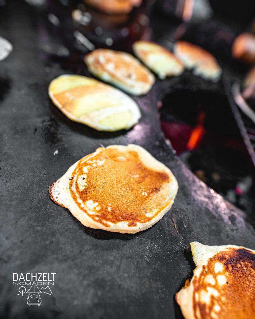 Pancakes auf er Feuertonne