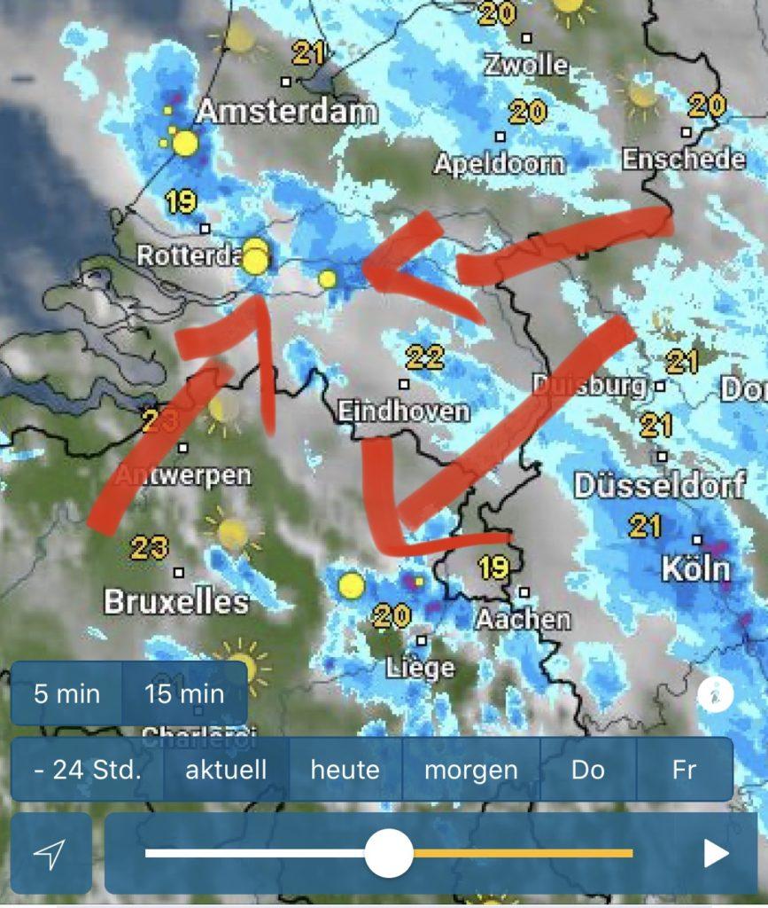 Bild von einer Gewitter App zum frühzeitigen Erkennen von herannahenden Gewittern beim Dachzelt Urlaub