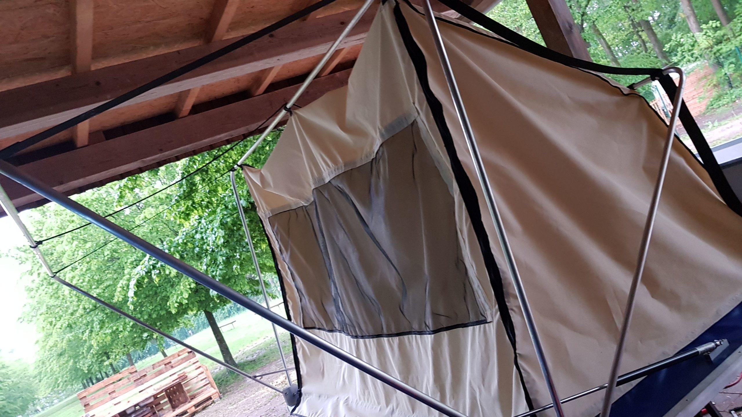 Fertiges selbst gebautes Dachzelt ohne Überzug
