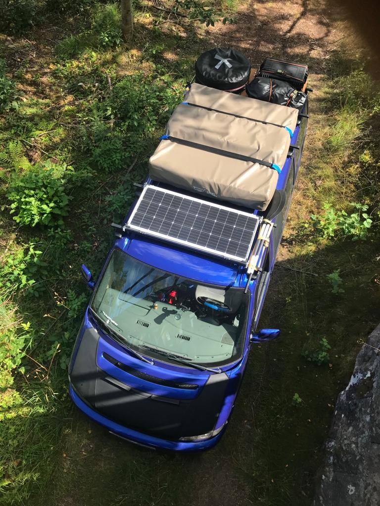 Ein foto, dass dachbeladung bei einem  T4 zeigt